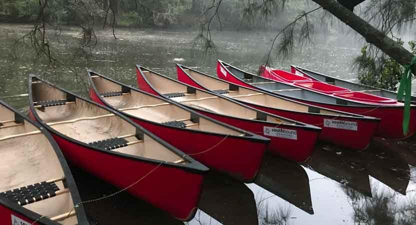 Canoes 833x450
